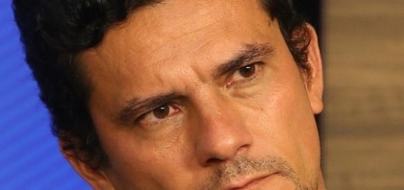 Sérgio Moro declara guerra à corrupção no Brasil