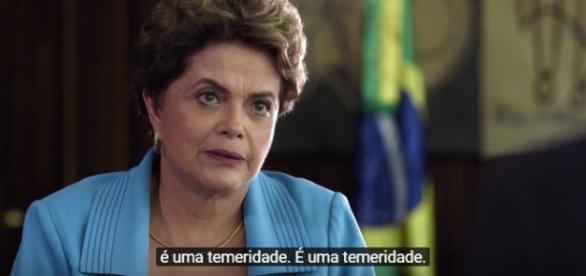 Glenn Greenwald entrevista Dilma Rousseff/Reprodução.