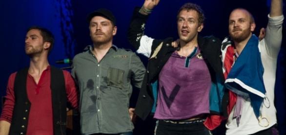La banda Coldplay lanzó un video de su nuevo sencillo