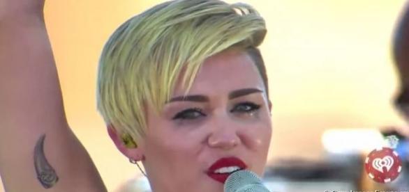 Miley Cyrus e Liam Hemsworth não irão mais se casar