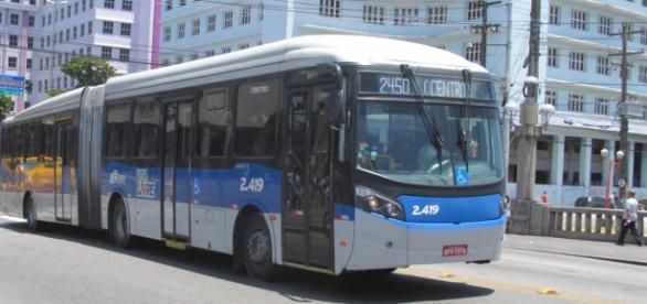 BRT da linha 2450 T.I. CAMARAGIBE/ CENTRO; Foto: Moisés Magno
