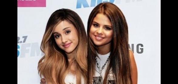 Ariana defendeu Selena durante entrevista