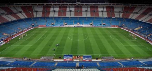 Panorámica del Vicente Calderón, estadio que albergará la final.