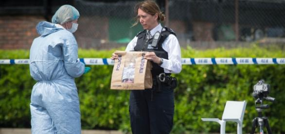 Patru femei au fost înjunghiate în parcarea unui supermarket din Londra