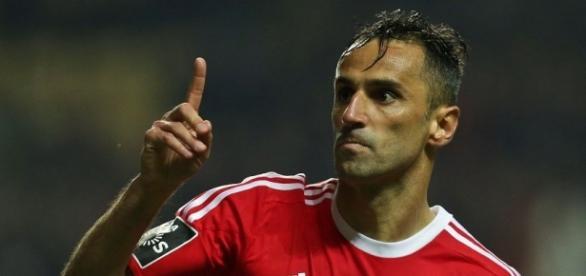O brasileiro Jonas pode estar trocando o Benfica pela China