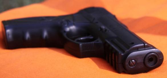 El hombre de 27 años disparó a varias personas y finalmente se suicidó.