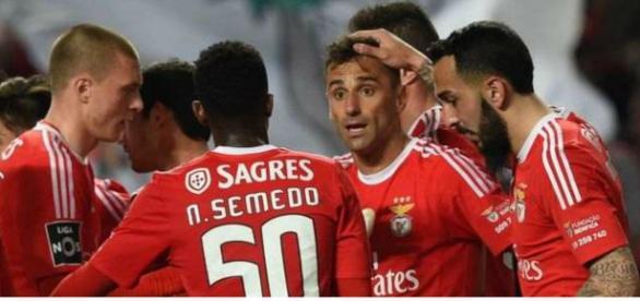 Benfica com muitos interessados por seus jogadores