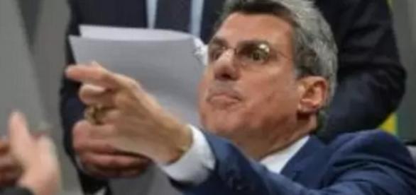 Romero Jucá foi flagrado em gravação comprometedora