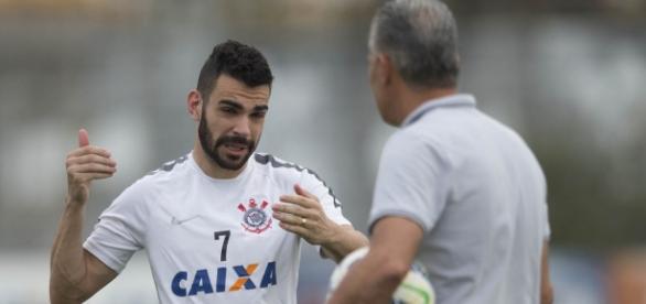 Bruno Henrique deve voltar ao banco de reservas do Timão