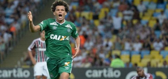 Camilo, meia que já jogou pelo Chapecoense pode estar vindo para o Botafogo