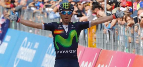 Valverde ganó la 16ª etapa del Giro y se coloca tercero en la general