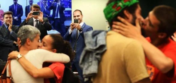 Grupo da beijo gay e interrompe sessão da Cultura