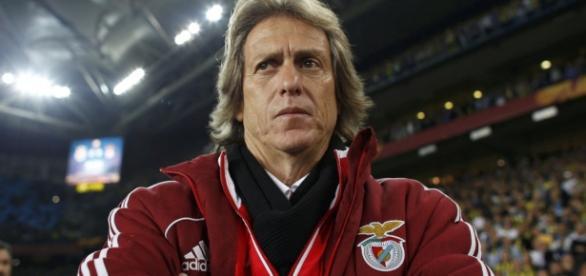 Jesus dispensou o zagueiro no Benfica