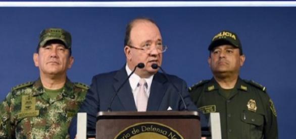 El Ministro de Defensa Nacional resposabiliza al ELN de la desaparición de periodistas