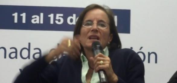 La víctima: una periodista y reportera española-colombiana quien ha sido muy crítica del proceso de paz con la FARC