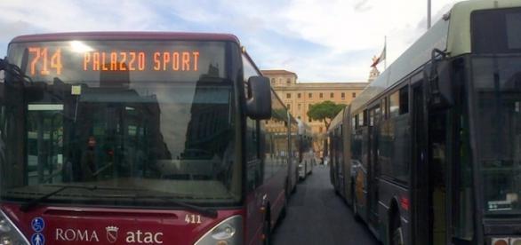 Problemi alla circolazione di Roma, bus in metro