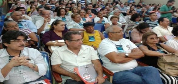 Servidores seguem sem receber salários no Brasil