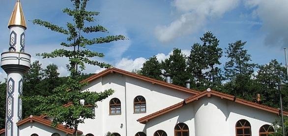 Wszędzie ładny, czysty meczet dla chętnych i niechętnych?