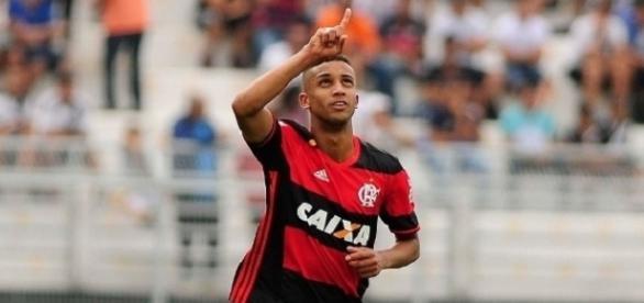 Jorge marcou um golaço para o Flamengo na partida.