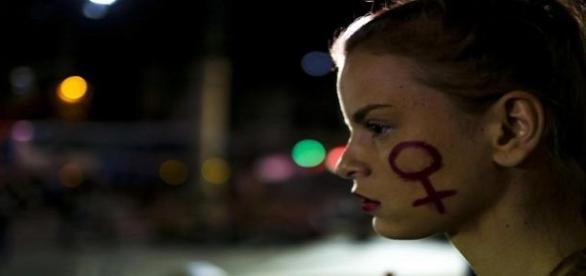 Joven violada en Brasil por más de 30 hombres