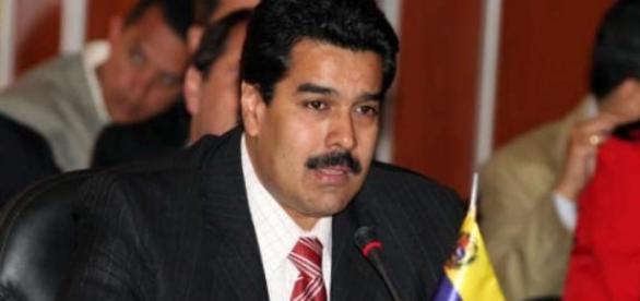 Presidente é acusado de ser o principal responsável pela crise financeira da Venezuela