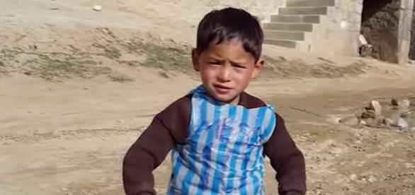 Micuțul fan al fotbalistului Messi din Afganistan a părăsit țara din pricina amenințărilor