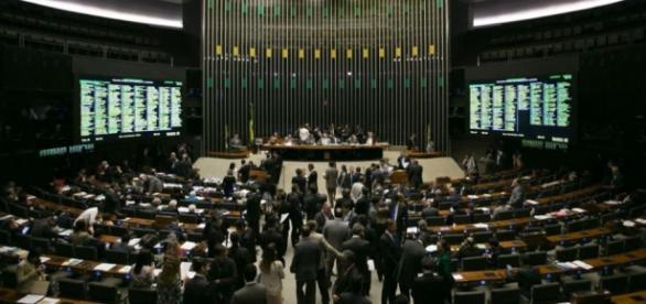 Base aliada no Congresso deve aprovar pautas do governo com modificações (Foto: Fabio Rodrigues Pozzebom/Agência Brasil)