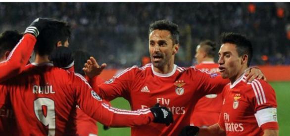 Benfica prepara reforços para a zona atacante