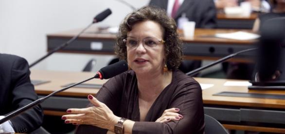 Fátima Pelaes assume a Secretaria das Mulheres no governo interino.