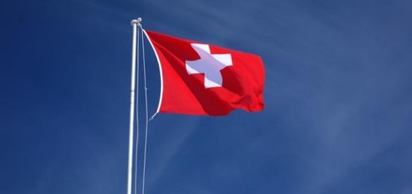 In svizzera si vota per garantire il reddito minimo di 2300 euro al mese.