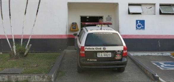 Caso é investigado pelo 2º Distrito Policial de São Vicente (Foto: Guilherme Lucio da Rocha/G1)