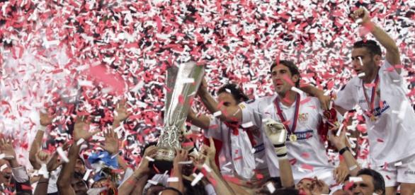 El Sevilla celebrando un título europeo