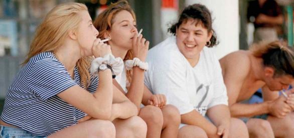 Se intenta reducir el consumo de tabaco en adolescentes