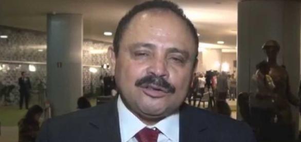 Deputado Waldir Maranhão foi notificado para assumir a Câmara Federal, após afastamento do deputado Eduardo Cunha.
