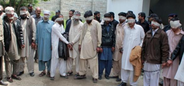 Membrii unui consiliu tribal din Pakistan, arestați pentru că au ars de vie o adolescentă - Foto REUTERS