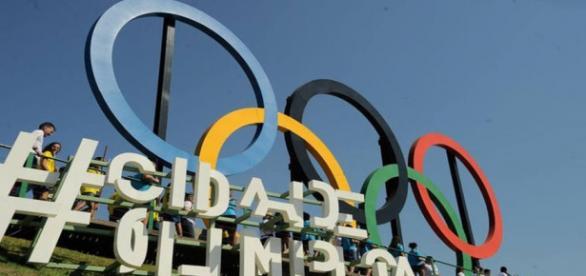 Comitê Olímpico Internacional acolhe refugiados para competir nos jogos.