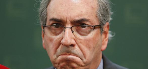 Ministro Teori Zvascki Afasta Eduardo Cunha .