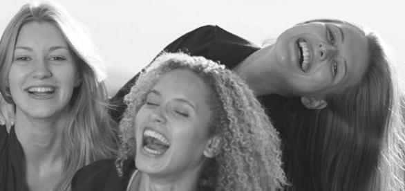 Saskia (19, links) und Taynara (19) sind privat sehr gut befreundet