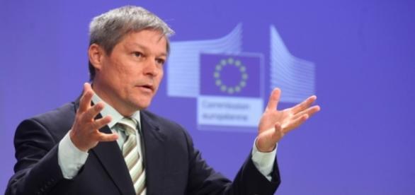 Cioloș le felicită pe handbalistele de la CSM București