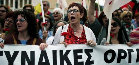 Decenas de miles de personas se manifestaron en contra de la controvertida reforma.