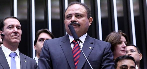 Deputado Waldir Maranhão anula Impeachment