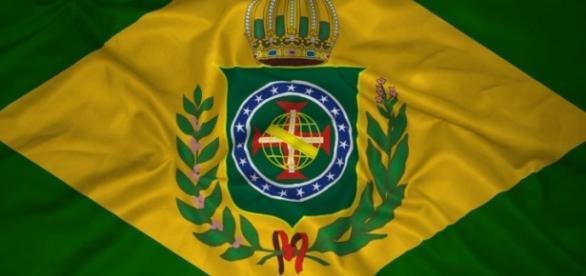 Movimento monarquista considera que a volta da família real é a solução para problemas políticos do país