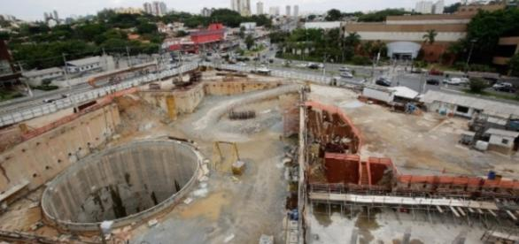 Obras do metrô em São Paulo continuam paradas