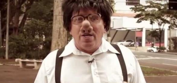 Santos, o personagem mais famoso do Programa do Ratinho, passa mal e é internado às pressas
