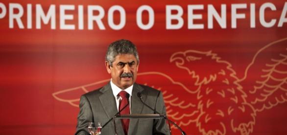 Vieira enfrenta uma situação econômica complicada