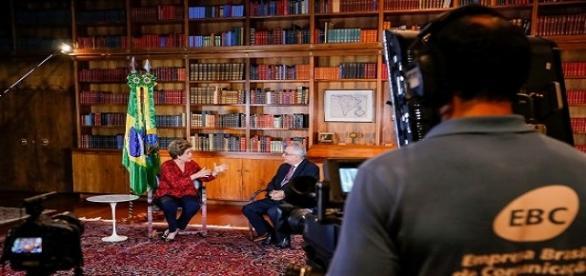 Dilma em entrevista ao jornalista Luis Nassif (Foto: Roberto Stuckert Filho/PR)