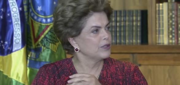 Dilma Rousseff dá entrevista para a TV Brasil