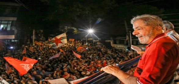 Lula estará presente em ato contra Temer