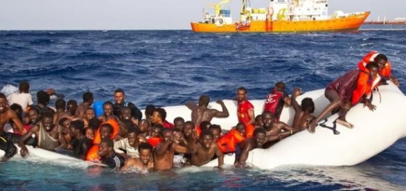 Uchodźcy na Morzu Śródziemnym (dpa/NOZ)