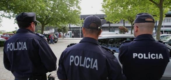 Agentes da PSP sempre atentos, vigilantes e prontos para intervir
